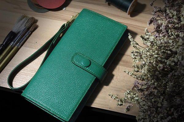 nữ mệnh mộc dùng ví màu gì