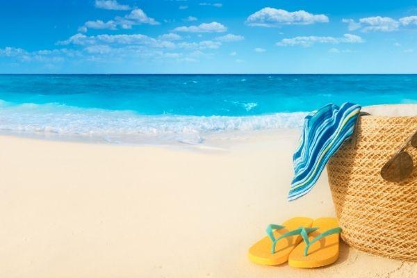 Đi du lịch hè cần chuẩn bị những gì?